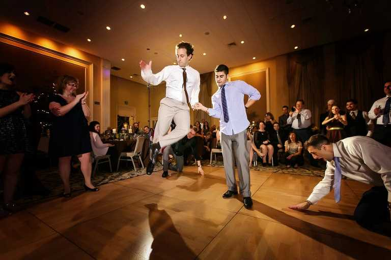 Los Angeles Wedding Photographers | Keeping Guests Entertained During Cocktail Hour